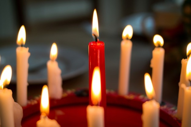 candles-1008049_640